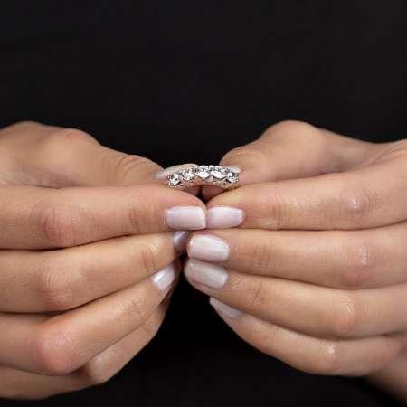 Starlight Diamond Pırlanta Montür Mikro Taşlı Zarif Tasarım 925 Ayar Gümüş Kadın Beştaş Yüzük - Thumbnail