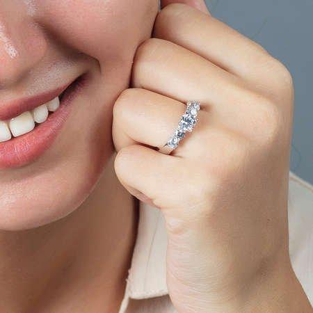 Starlight Diamond Pırlanta Montür Zarif Tasarım 925 Ayar Gümüş Bayan Beştaş Yüzük - Thumbnail