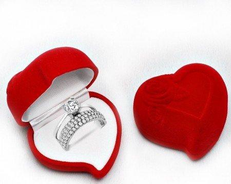 Tek Taş Yarım Tur 925 Ayar Gümüş Yüzük (Kalp kutulu) - Thumbnail
