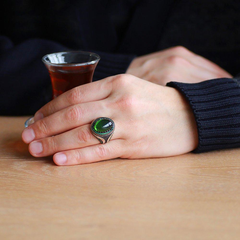 Yeşil Zirkon Taşlı Mikro Zirkon Taş Mıhlamalı Oval Tasarım 925 Ayar Gümüş Erkek Yüzük