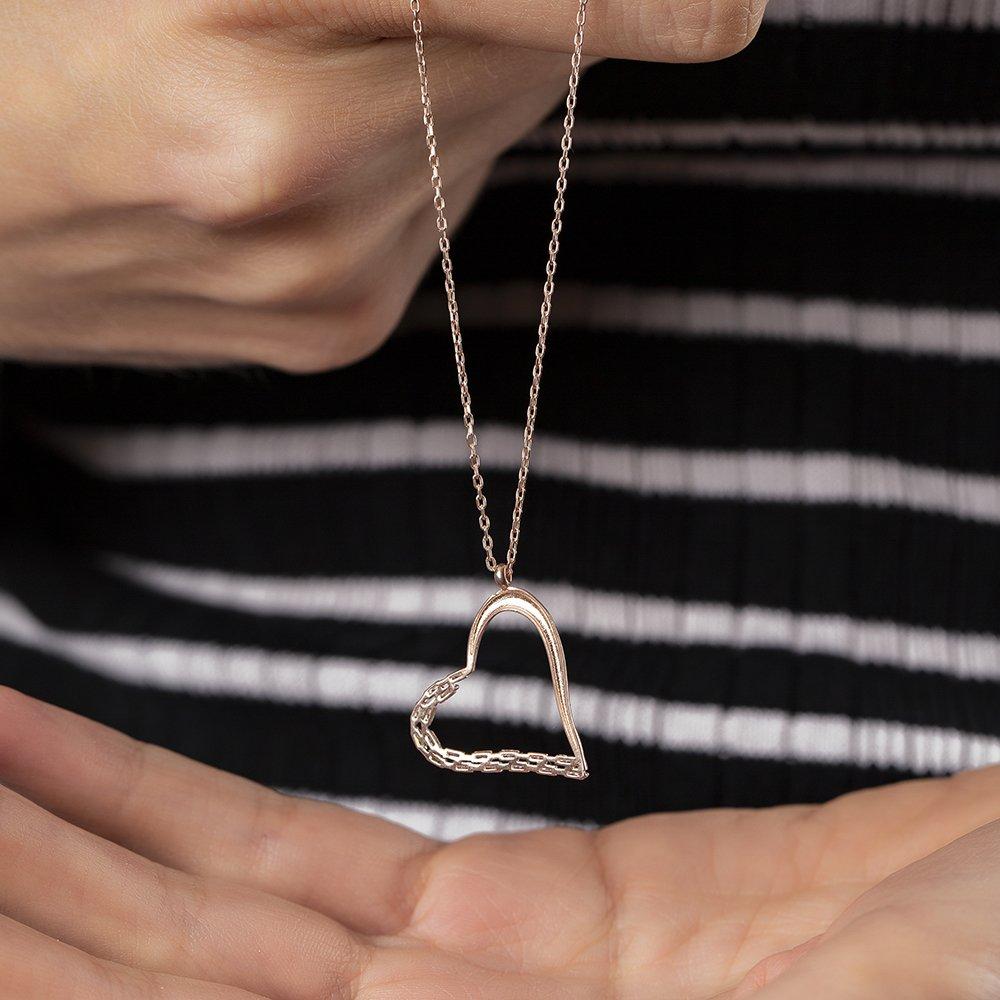 Zirkon Taşlı Asimetrik Kalp Tasarım Rose Renk 925 Ayar Gümüş Kolye