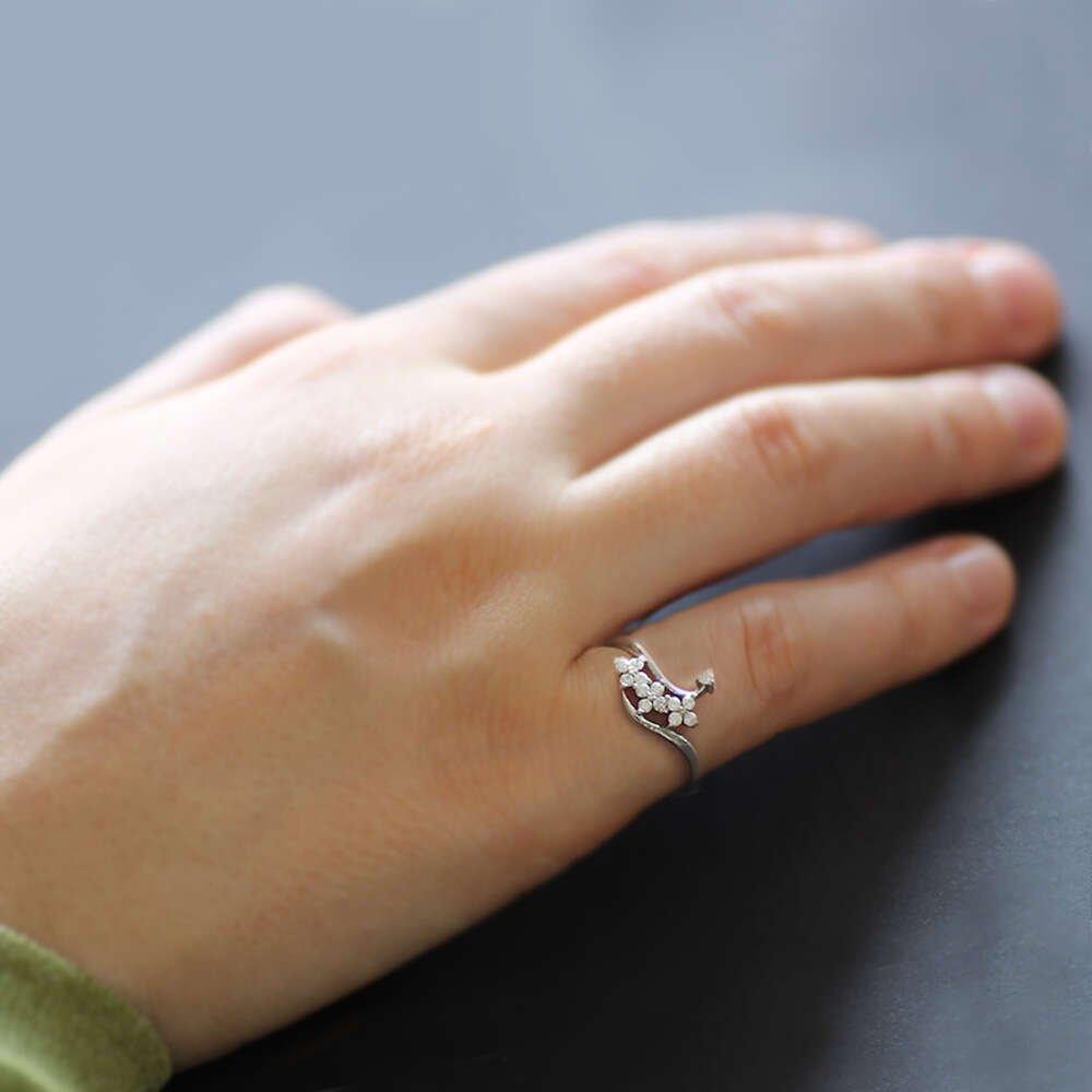 Zirkon Taşlı Asimetrik Sıralı Yonca Yaprağı Tasarım 925 Ayar Gümüş Bayan Yüzük