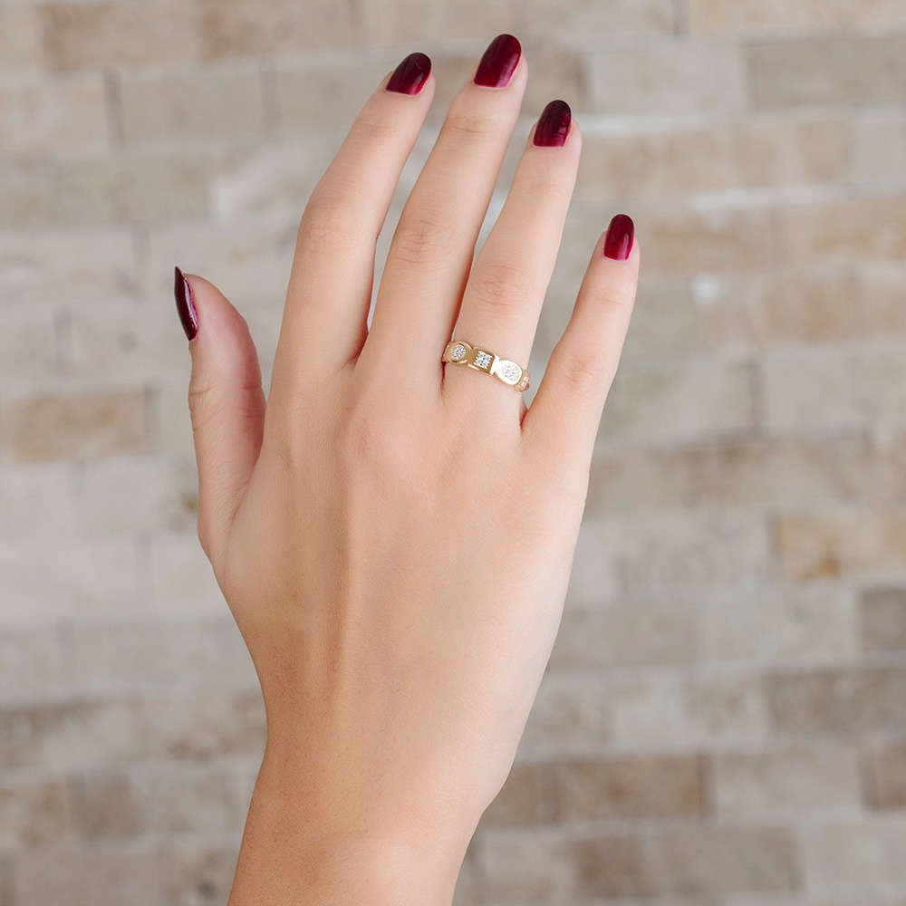 Zirkon Taşlı Geometrik Tasarım Gold Renk 925 Ayar Gümüş Bayan Yüzük