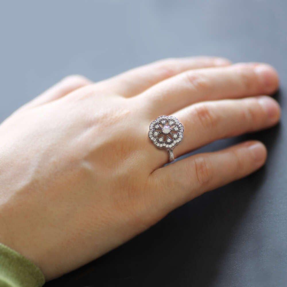 Zirkon Taşlı Kar Tanesi Tasarım 925 Ayar Bayan Gümüş Yüzük