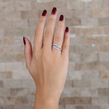Zirkon Taşlı Örgü Tasarım 925 Ayar Gümüş Bayan Yüzük - Thumbnail
