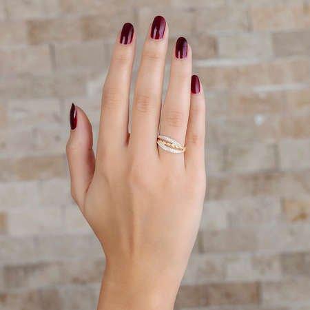 Zirkon Taşlı Örgü Tasarım Gold Renk 925 Ayar Gümüş Bayan Yüzük - Thumbnail