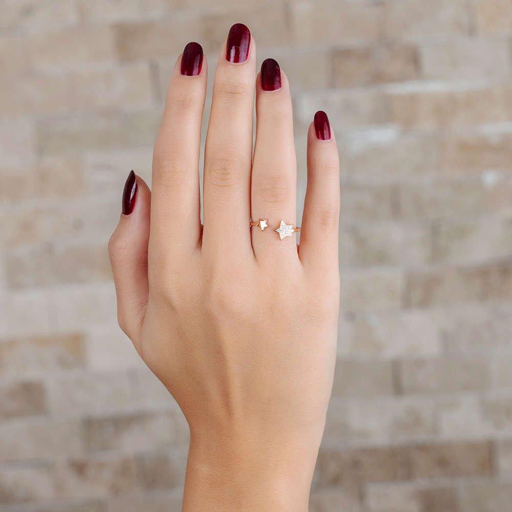 Zirkon Taşlı Yıldız Tasarım Gold Renk 925 Ayar Gümüş Bayan Yüzük